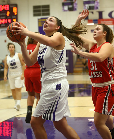 11-4-17<br /> Northwestern vs Twin Lakes girls basketball<br /> Kendall Bostic looks to the basket for a shot.<br /> Kelly Lafferty Gerber | Kokomo Tribune