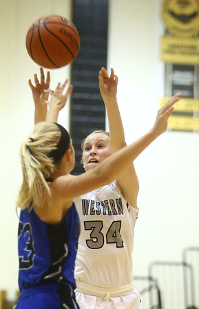 11-7-17<br /> Western vs Northfield girls basketball<br /> Makayla Calloway shoots.<br /> Kelly Lafferty Gerber | Kokomo Tribune