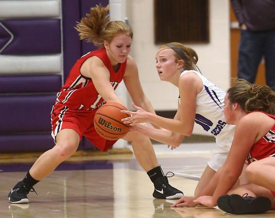11-4-17<br /> Northwestern vs Twin Lakes girls basketball<br /> NW's Klair Merrell grabs a loose ball.<br /> Kelly Lafferty Gerber | Kokomo Tribune