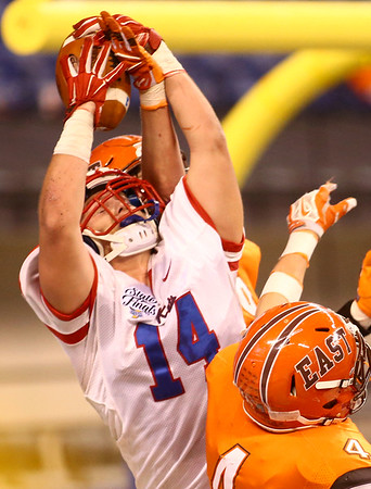 11-24-17<br /> Kokomo state football<br /> Luke Cameron makes the catch in the endzone for a touchdown.<br /> Kelly Lafferty Gerber | Kokomo Tribune