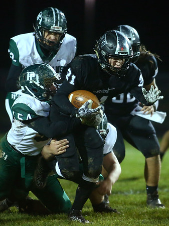 10-27-17<br /> Western vs Pendleton Heights football<br /> Western's Kitchel Gifford runs the ball.<br /> Kelly Lafferty Gerber | Kokomo Tribune