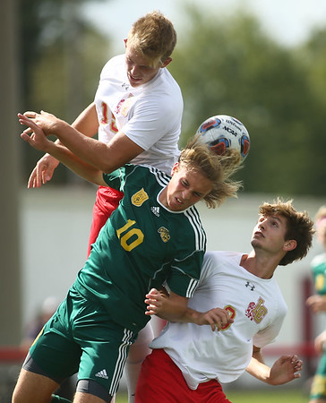 10-7-17<br /> Eastern vs Liberty Christian boys soccer sectional championship<br /> Eastern's Lance Vanmatre headbutts the ball.<br /> Kelly Lafferty Gerber | Kokomo Tribune