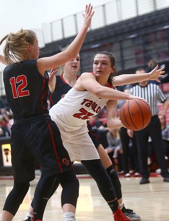 10-31-17<br /> Taylor vs Clinton Prairie girls basketball<br /> Taylor's Shaelah Eliason looks for a pass.<br /> Kelly Lafferty Gerber | Kokomo Tribune