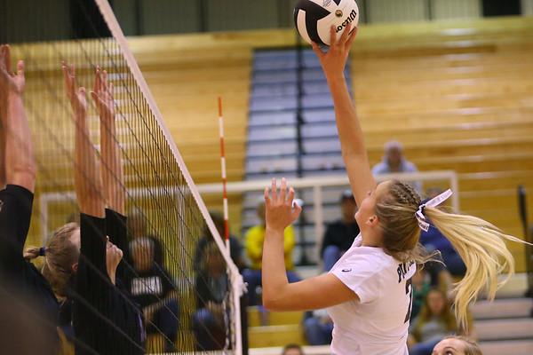 Volleyball sectional between Western HS and Maconaquah HS on October 12, 2017.<br /> Tim Bath | Kokomo Tribune