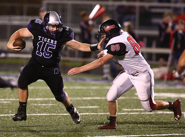 10-20-17<br /> Northwestern vs Blackford football<br /> NW's Nick Sottong runs the ball.<br /> Kelly Lafferty Gerber | Kokomo Tribune