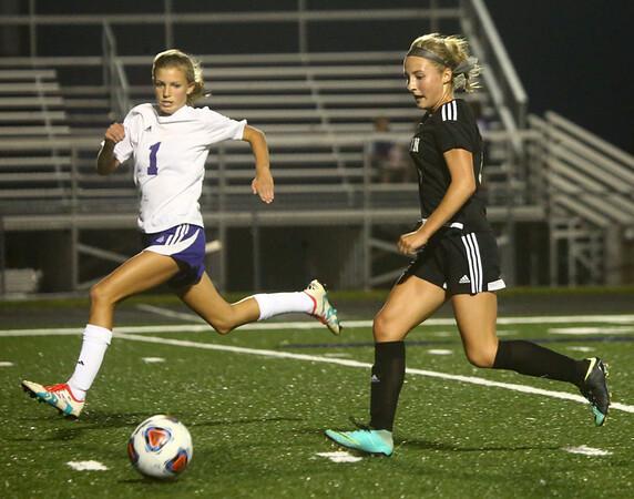 9-14-17<br /> Northwestern vs Western girls soccer<br /> Western's Sophie Weigt goes for the goal.<br /> Kelly Lafferty Gerber | Kokomo Tribune