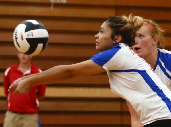 9-13-17<br /> Kokomo vs North Miami volleyball<br /> Alliyah Hochstedler<br /> Kelly Lafferty Gerber   Kokomo Tribune