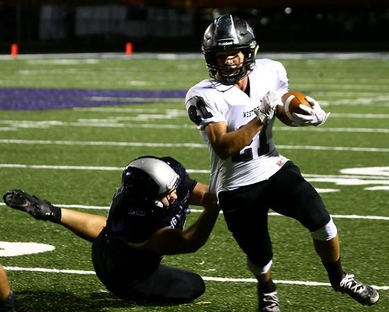 9-29-17<br /> Western vs Northwestern football<br /> Western's Kitchel Gifford runs the ball.<br /> Kelly Lafferty Gerber | Kokomo Tribune