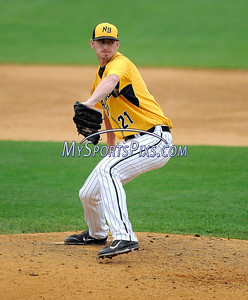 8/29/2017 Mike Orazzi | Staff New Britain Bees' Mike Hepple (21) during Tuesday's game with the Sugar Land Skeeters.