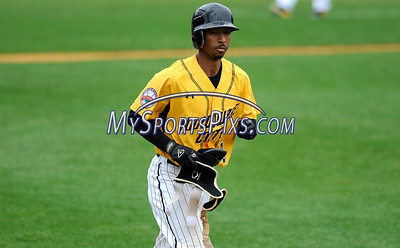 8/29/2017 Mike Orazzi | Staff New Britain Bees' James Skelton (3) during Tuesday's game with the Sugar Land Skeeters.