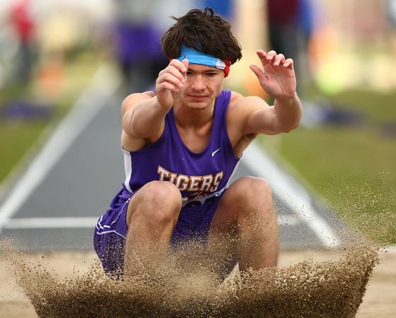 4-28-18<br /> Kokomo Relays<br /> NW's Ethan Kinney in the boys long jump.<br /> Kelly Lafferty Gerber | Kokomo Tribune