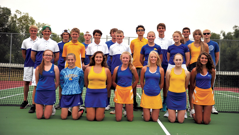 Bud Denega | The Sheridan Press<br /> The Sheridan High School tennis team includes, Tori Pearce, Laurin Jensen, Stephanie Gonda, Ella Laird, Hannah Jost, Samantha Dillon, Julia Kutz; middle row, from left, Zane Myers, Reed Rabon, Jarett Hoy, Tomy Phillips, Kaitlyn Andersen, Megan Hoffman, Aspen Malkuch; and top row, from left, Logan Jensen, Trenton Lewallen, Kellen Mentock, Kevin Woodrow, Vinnie Spradling, Frank Sinclair, Ethan Kutz and Lucas Grutzmachen.