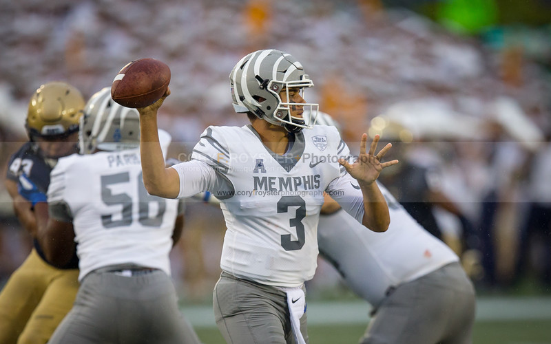 NCAA Football: Memphis vs Navy SEPT 8