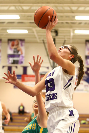 1-2-18<br /> Northwestern vs Eastern girls basketball<br /> NW's Madison Layden shoots.<br /> Kelly Lafferty Gerber | Kokomo Tribune