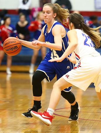 1-25-18<br /> Kokomo vs Tipton girls basketball<br /> Tipton's Lexi Altherr dribbles down the court.<br /> Kelly Lafferty Gerber | Kokomo Tribune