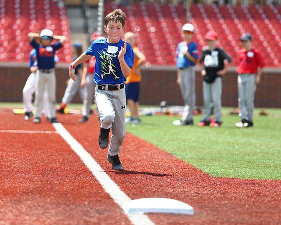 Jackrabbits kids baseball camp on Wednesday, June 27, 2018.<br /> Kelly Lafferty Gerber | Kokomo Tribune