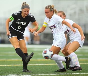 10-6-18 Western vs Marion girls soccer sectional championship Western's Sophie Weigt makes a kick. Kelly Lafferty Gerber | Kokomo Tribune