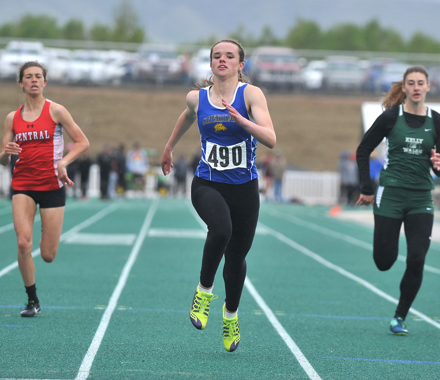 Bud Denega | The Sheridan Press<br /> Sheridan's Kelly Moodry competes in the 200-meter dash during the state track and field meet at Kelly Walsh High School Saturday, May, 19, 2018.