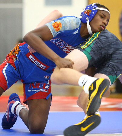 12-4-19<br /> Kokomo vs Eastern wrestling<br /> Kokomo's Omarion Clark Stitts defeats Eastern's Gabe Monize in the 126.<br /> Kelly Lafferty Gerber | Kokomo Tribune