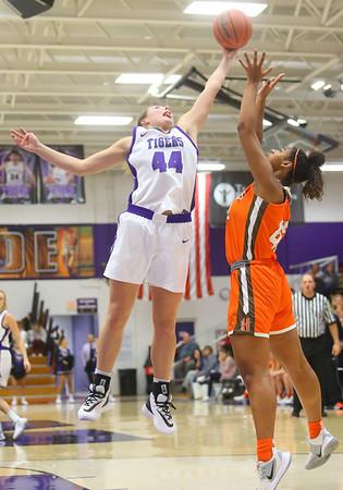 12-10-19<br /> Northwestern vs Hamilton Heights girls basketball<br /> NW's Kendall Bostic and HH's Mykayla Moran go after a rebound.<br /> Kelly Lafferty Gerber   Kokomo Tribune