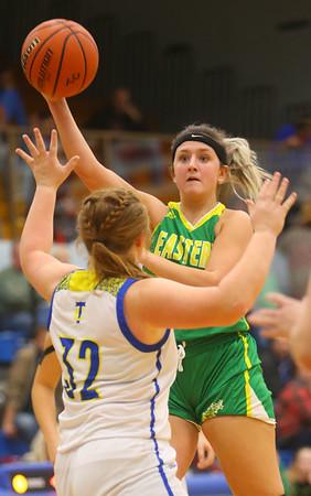 12-13-19<br /> Tri Central vs Eastern girls basketball<br /> Eastern's Jeanie Crabtree throws a pass.<br /> Kelly Lafferty Gerber | Kokomo Tribune