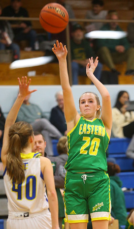 12-13-19<br /> Tri Central vs Eastern girls basketball<br /> Eastern's Kaylee Weeks shoots.<br /> Kelly Lafferty Gerber | Kokomo Tribune