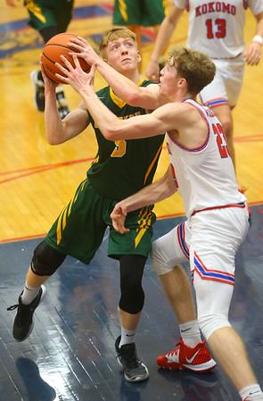 12-27-19<br /> Kokomo vs Eastern boys basketball in the Phil Cox Memorial Holiday Tournament<br /> Eastern's Levi Mavrick looks for a shot.<br /> Kelly Lafferty Gerber | Kokomo Tribune