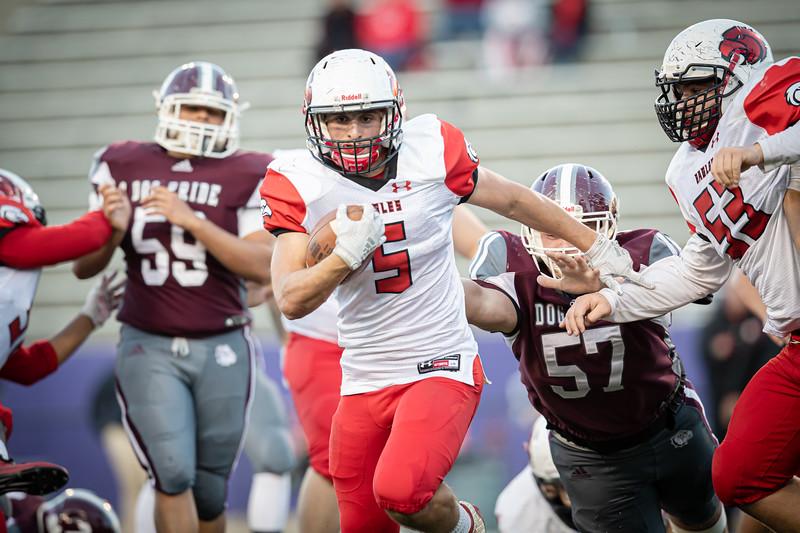Trenton Morris outruns the Bull Dog defense