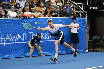 Sam Querrey stretches for a forehand against Brandon Nakashima in the men's finals of the 2019 Hawaii Open at the Stan Sheriff Center on December 28, 2019 in Honolulu, Hawaii.