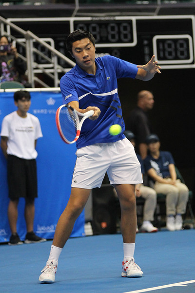 Brandon Nakashima plays a forehand against Sam Querrey in the finals of the men's draw of the 2019 Hawaii Open at the Stan Sheriff Center on December 28, 2019 in Honolulu, Hawaii.