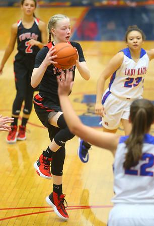 11-13-19<br /> Taylor vs Kokomo girls basketball<br /> Taylor's Kelsi Langley throws a pass.<br /> Kelly Lafferty Gerber | Kokomo Tribune