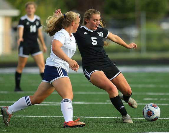 9-28-19<br /> Western vs Central Catholic girls soccer Hoosier Conference Tournament<br /> Western's Brooklyn Garber makes a kick.<br /> Kelly Lafferty Gerber | Kokomo Tribune