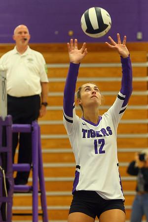 9-3-19<br /> Northwestern vs Clinton Central volleyball<br /> <br /> Kelly Lafferty Gerber | Kokomo Tribune