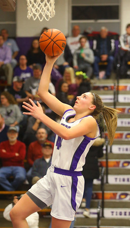 1-24-20<br /> Northwestern vs Benton Central girls basketball Hoosier conference<br /> NW's Kendall Bostic puts up a shot.<br /> Kelly Lafferty Gerber | Kokomo Tribune