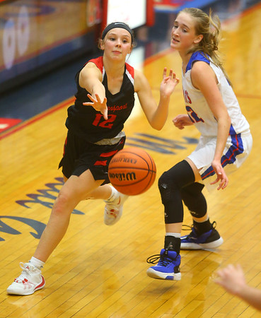 1-10-20<br /> Kokomo vs Logansport girls basketball<br /> Logansport's Erica White makes a pass.<br /> Kelly Lafferty Gerber | Kokomo Tribune