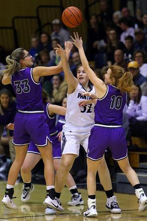 Western's Caroline Long tries to pass a ball between Northwestern's Madison Layden and Klair Merrell as Western High School hosts Northwestern girls basketball on January 21, 2020.<br /> Tim Bath   Kokomo Tribune