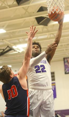 1-24-20<br /> Northwestern vs Cass boys basketball<br /> NW's Tayson Parker puts up a shot.<br /> Kelly Lafferty Gerber | Kokomo Tribune