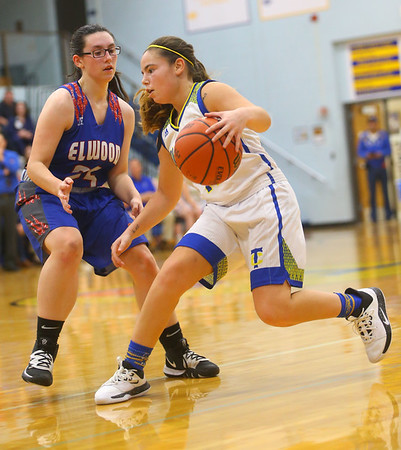 1-22-20<br /> Tri Central vs Elwood girls basketball<br /> Tri Central's Brittany Temple takes the ball down the court.<br /> Kelly Lafferty Gerber | Kokomo Tribune
