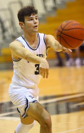 1-3-20<br /> Western vs Oak Hill boys basketball<br /> <br /> Kelly Lafferty Gerber | Kokomo Tribune