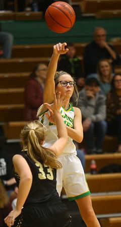 1-30-20<br /> Eastern vs Peru girls basketball<br /> Eastern's Lexi James tosses a pass.<br /> Kelly Lafferty Gerber | Kokomo Tribune