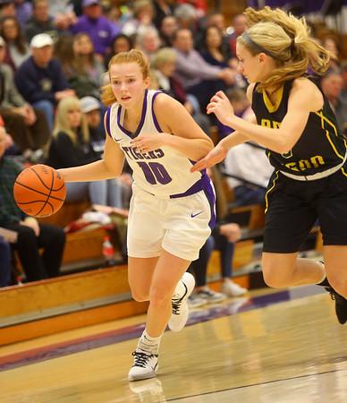 1-24-20<br /> Northwestern vs Benton Central girls basketball Hoosier conference<br /> NW's Klair Merrell heads down the court.<br /> Kelly Lafferty Gerber | Kokomo Tribune
