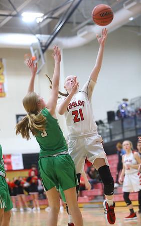 1-17-20<br /> Taylor vs CC girls basketball<br /> Taylor's Kelsi Langley shoots.<br /> Kelly Lafferty Gerber | Kokomo Tribune