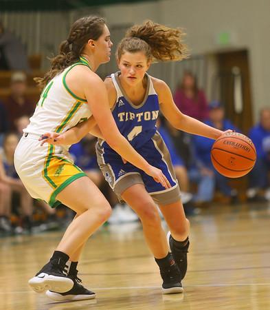 1-14-20<br /> Eastern vs Tipton girls basketball<br /> Tipton's Ella Wolfe heads down the court.<br /> Kelly Lafferty Gerber | Kokomo Tribune