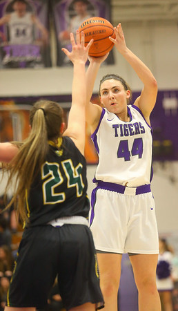 1-24-20<br /> Northwestern vs Benton Central girls basketball Hoosier conference<br /> NW's Kendall Bostic shoots.<br /> Kelly Lafferty Gerber | Kokomo Tribune