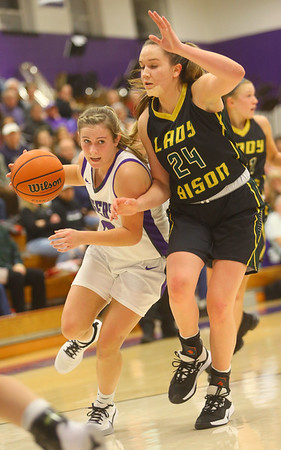 1-24-20<br /> Northwestern vs Benton Central girls basketball Hoosier conference<br /> NW's Ellie Boyer heads down the court.<br /> Kelly Lafferty Gerber | Kokomo Tribune