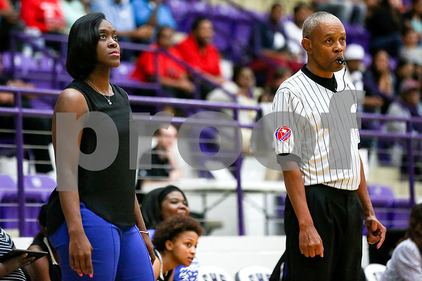 John Tyler head coach Carlesa Dixon watches the game during a 6A region 2 quarterfinal game at Eustace High School in Eustace, Texas, on Tuesday, Feb. 21, 2017. The John Tyler Lady Lions beat the Dr. John Horn Jaguars 65-50. (Chelsea Purgahn/Tyler Morning Telegraph)