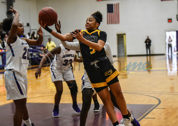 Tyler Junior College Freshman Kharisima Brown (5) goes for the lay up in a game against Jacksonville College on Saturday, February 9. (Jessica T. Payne/Tyler Morning Telegraph)