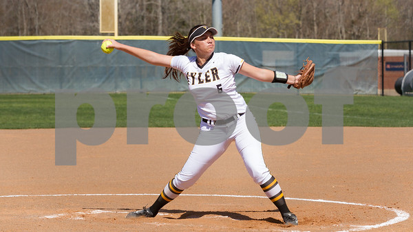 FR Alica Garcia was the winning pitcher as TJC went on to defeat Northeast Texas CC 10 to 1 in opening play of Region XIV / photo by John Murphy