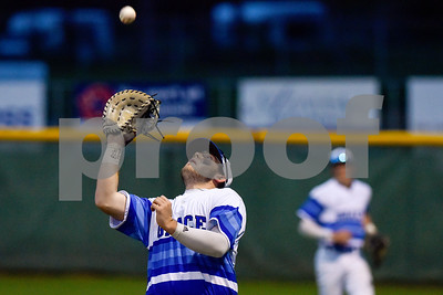 Grace's Nic Hudgens catches the ball during a high school baseball game at Grace Community School in Tyler, Texas, on Monday, March 26, 2018. (Chelsea Purgahn/Tyler Morning Telegraph)