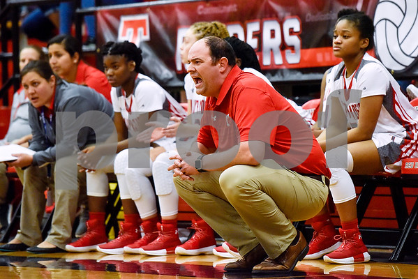 Robert E. Lee head coach Ross Barber during a high school basketball game at Robert E. Lee High School in Tyler, Texas, on Tuesday, Nov. 14, 2017. (Chelsea Purgahn/Tyler Morning Telegraph)